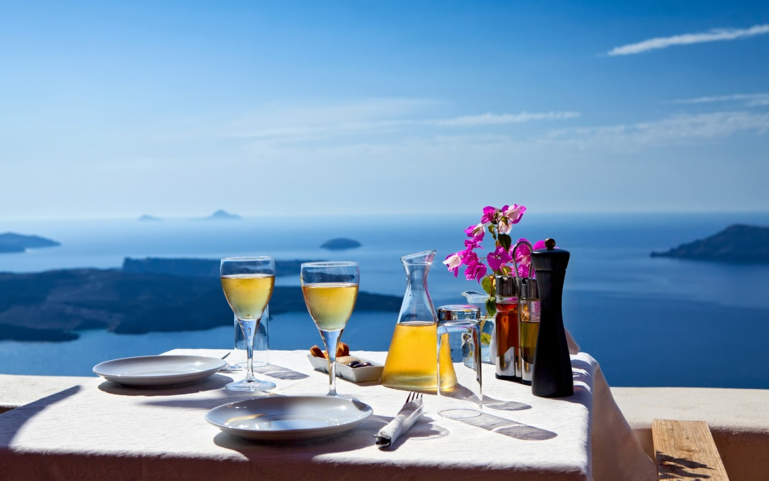 'Table above sea for two. Greece, Santorini island' - Santorini